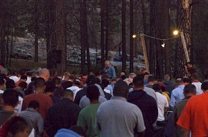 praying-men-and-boys-campout
